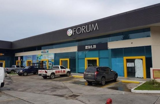 LOCAL ARRAIJAN PLAZA FORUM por debajo avaluo
